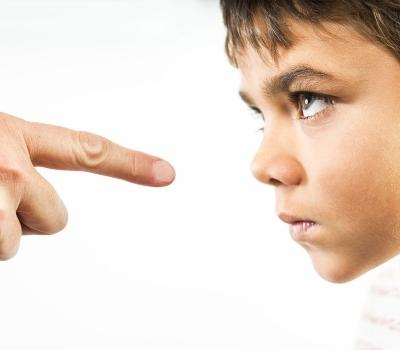 cirança que desafia os pais, probabilidade grande de ter TOD